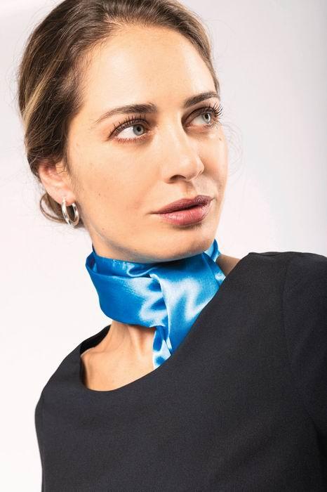 Saténový šátek